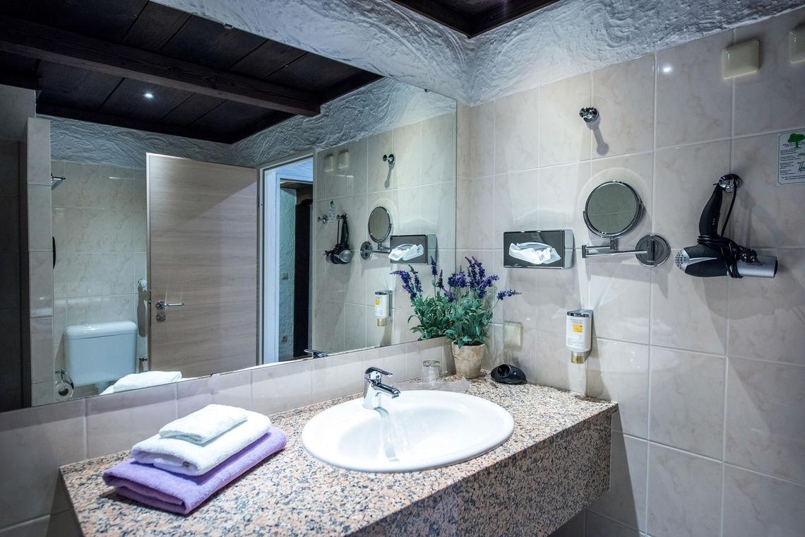Bad Einzelzimmer CONTEL Koblenz