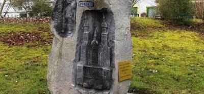 Pilgerstein am Linksrheinischen Jakobsweg direkt am CONTEL Hotel