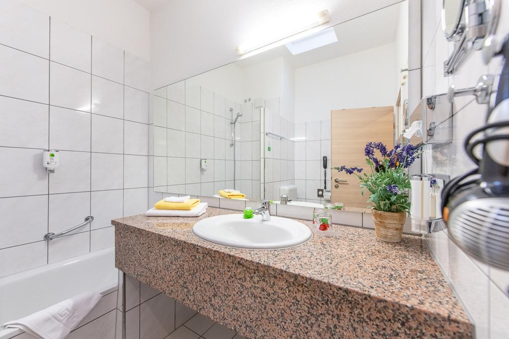 Slide Bad Komfort und Einzelzimmer