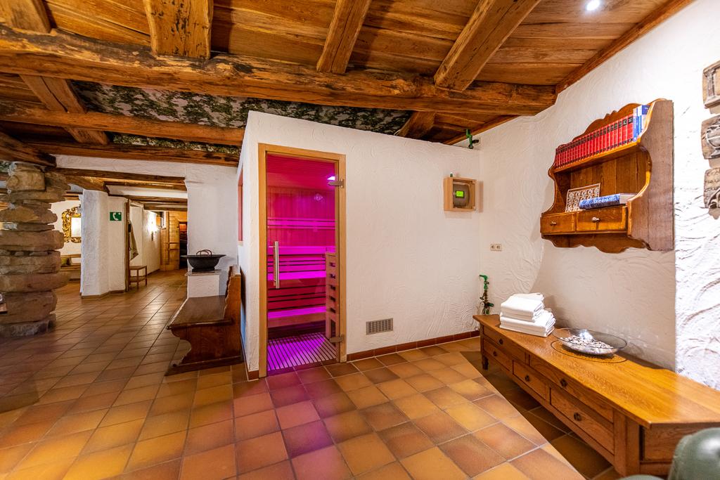 Slide 4 Sauna